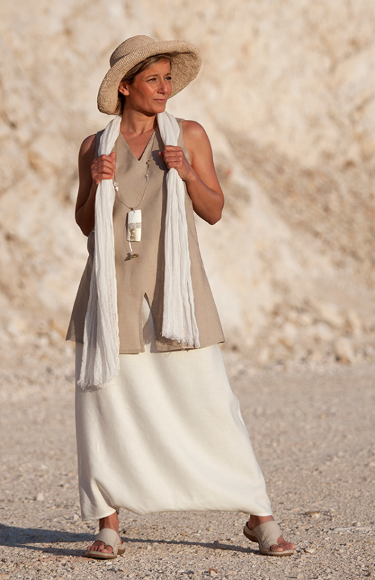 Off white linen sarouel-skirt and beige tunic Looks