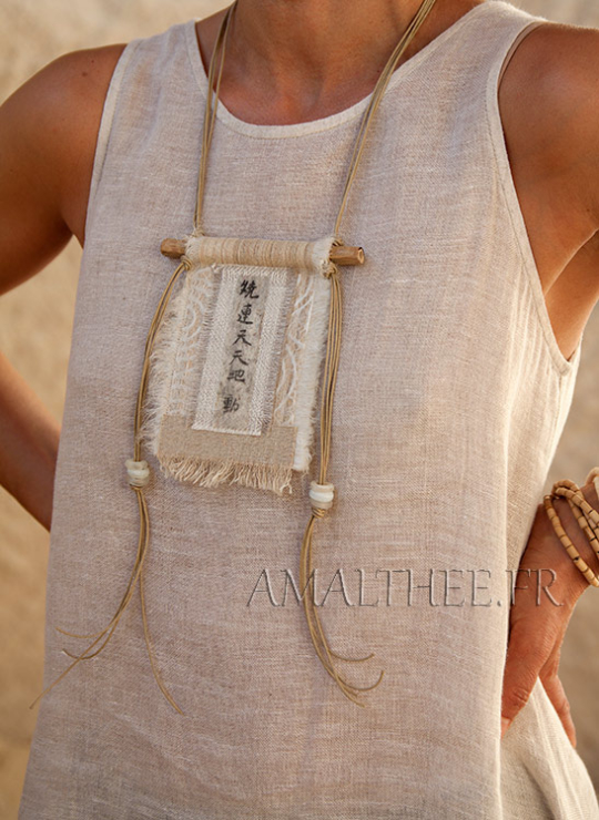 vintage linen necklace with Chinese printed calligraphy Joyas