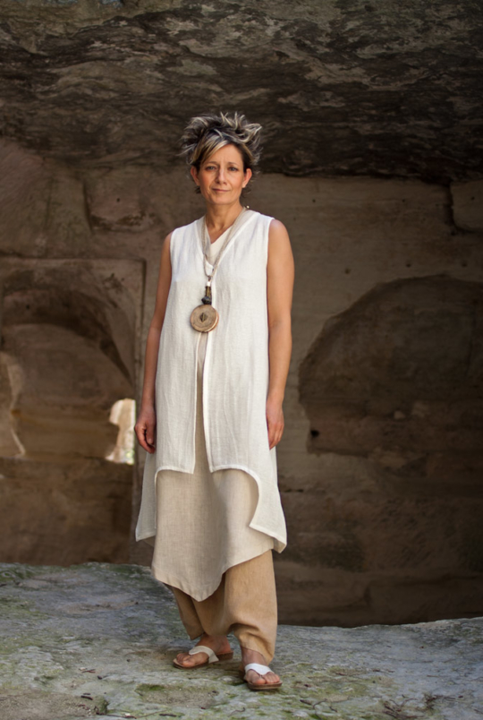 Linen outfit tunic and waistcoat Looks