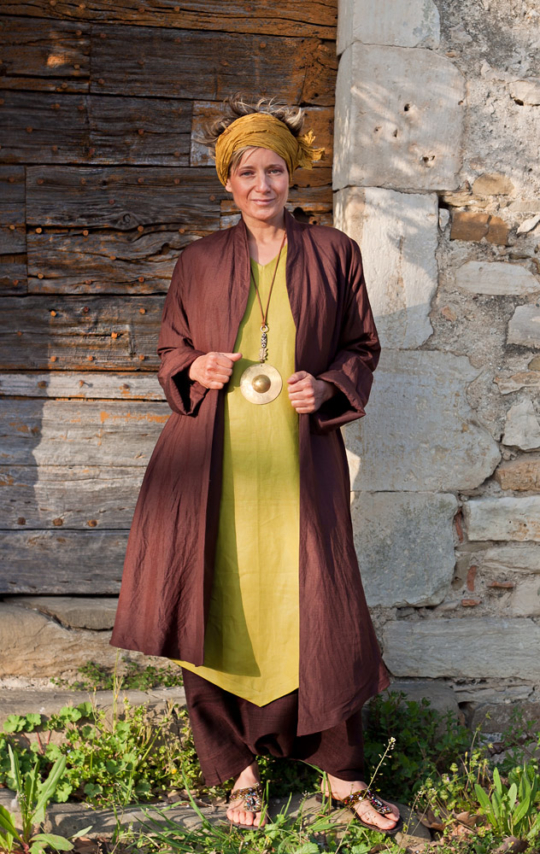 Asymmetrical silk and linen summercoat brown/purple color. Looks