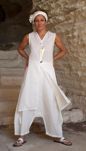 white summer set : cotton veil tunic and linen sarouel Looks