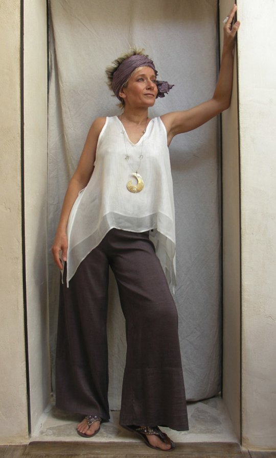 Top double white silk veil Silk shantung pants Looks