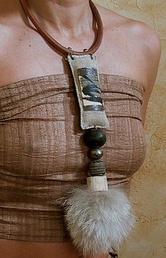 Tribal necklace:African beads, wolf hair, bone and leather Joyas