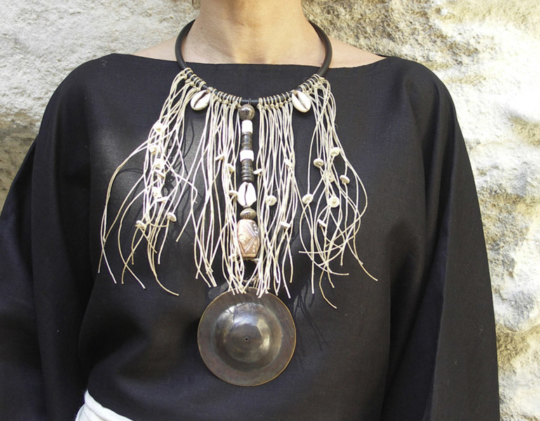 Ethnic tribal bib necklace Joyas