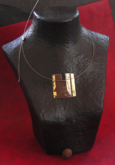 oxidysed metal necklace patinated with gold leaf Joyas