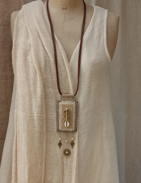 Long linen  pendant necklace with ethnic beads from Africa Joyas
