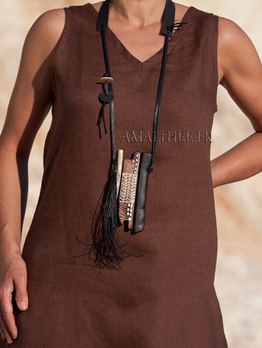 statement piece: contemporary tribal style wood and leather necklace Joyas