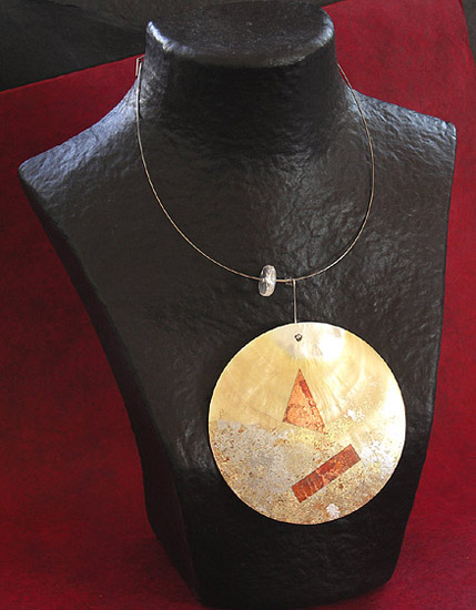 MOTHER PEARL DISC NECKLACE Joyas