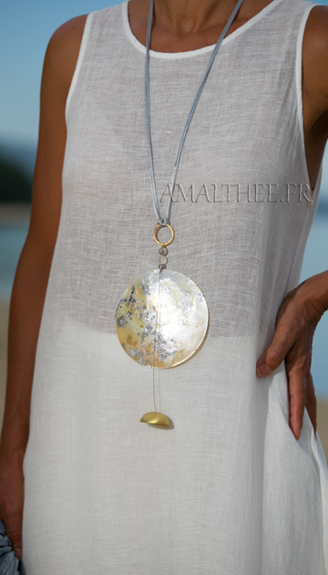 Mother of pearl contemporary pendant Joyas