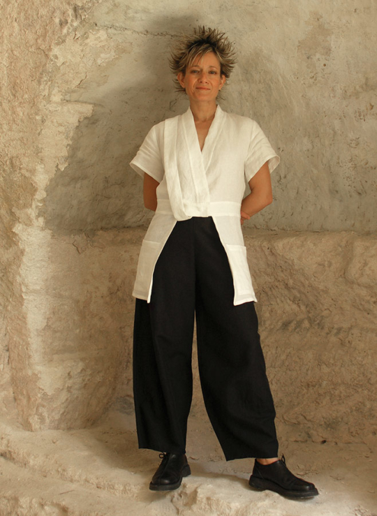 Large Black linen pants Looks