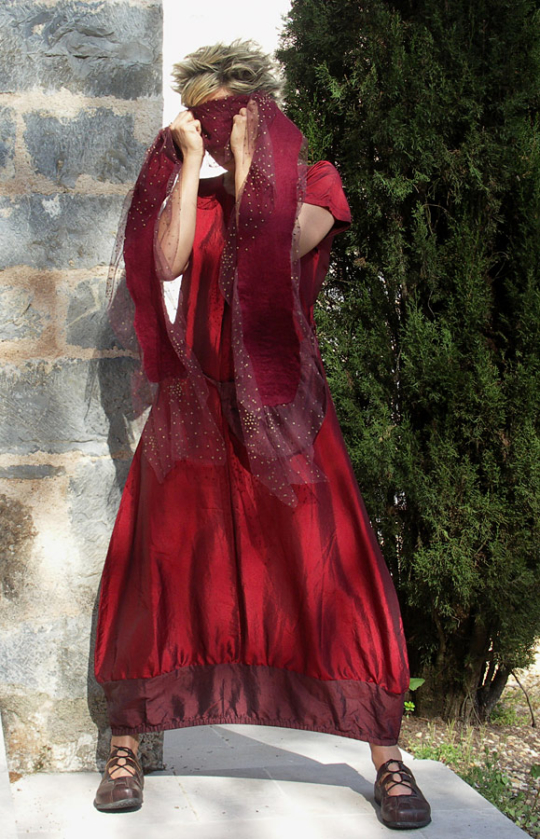 Red 'opera' taffeta dress. Looks