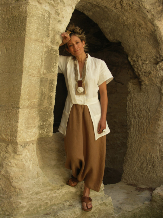 white linen jacket 'saharienne' and brown sarouel Other picture with a trouser same color or a beige sarouel Looks