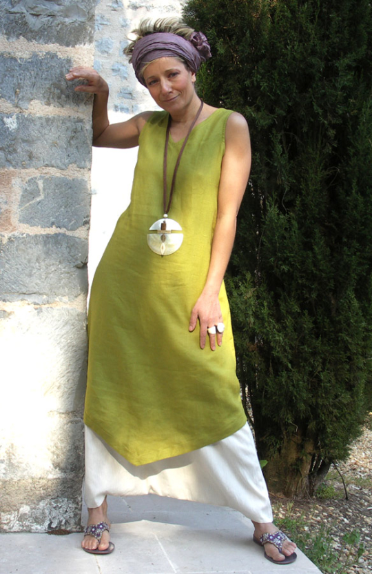 set in Linen: Tunic absinthe green color  white harem pants Looks