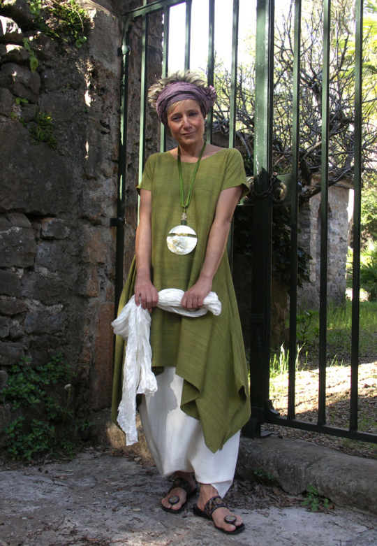LIME GREEN RAW SILK TUNIC with white linen sarouel ( harem pants) Looks